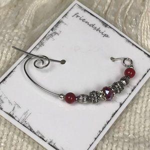 🎈Scarf or Shawl Pin ~ Silver-Tone Red Crystals